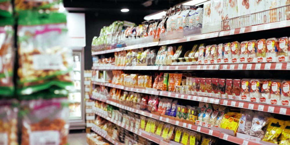 Haos la supermarket: Nu cumpăr tot magazinul, decât jumătate.
