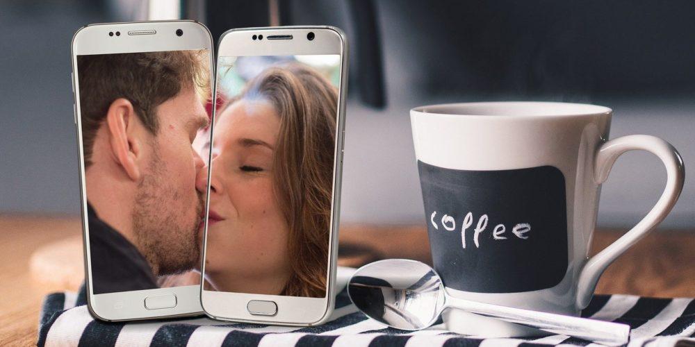 La cât se împarte fericirea într-o relație la distanță? La patru sau la doi?